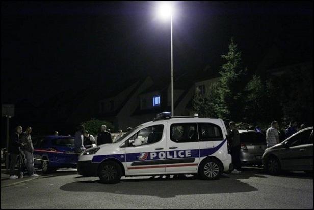 Paris France Police Commander Stabbed 1